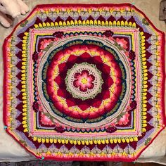 Ravelry: serabe37's Sophie's Universe CAL 2015 - progress after 2 weeks @ part 6 of 20! By far the most exciting thing I've ever made from a pattern. I get pure joy from this work =)