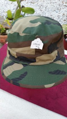 US ARMY CAMO CAP - NEW - FITTED - 7 1/2 12.99 + 1.99 S / H - EBAY ACCOUNT: patriciakessler