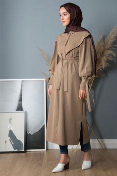 Liolle Vizon Kuşaklı Trençkot – 2020 Fashions Womens and Man's Trends 2020 Jewelry trends Abaya Fashion, Muslim Fashion, Modest Fashion, Fashion Dresses, Iranian Women Fashion, Latest Fashion For Women, Modest Dresses, Modest Outfits, Hijab Elegante