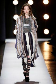 As principais tendências da New York Fashion Week 2016 - NYFW Winter - Semana de Moda de Nova Iorque Inverno - peles - BCBG