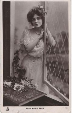 Marie Doro by Raphael Tucks Vintage Photos Women, Vintage Pictures, Vintage Images, Vintage Ladies, Old Hollywood Glamour, Vintage Glamour, Vintage Beauty, Hollywood Cinema, Hollywood Actresses