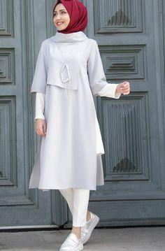 Source by firdevsp fashion hijab Modest Fashion Hijab, Street Hijab Fashion, Abaya Fashion, Fashion Dresses, Fashion Muslimah, Hijab Outfit, Hijab Style Dress, Abaya Mode, Moslem Fashion