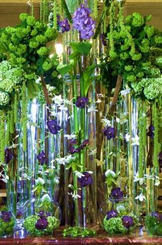 Europe's best floral designer is a Serb, born and raised in Belgrade    Djordje (George) Varda, last year awarded the title of the best floral designer in Europe