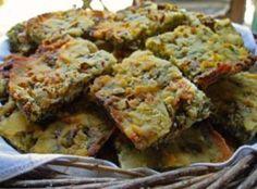 Υλικά: ½ κιλό καλαμποκίσιο αλεύρι 300γρ λάδι 4 πράσα 5-6 κρεμμυδάκια φρέσκα άνηθο μαϊντανό-μαϊντανόζια (μιρόνια) δυόσμο…