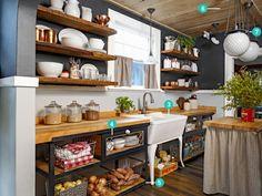 Kleine Küche einrichten - Landhausküche mit viel Stauraum