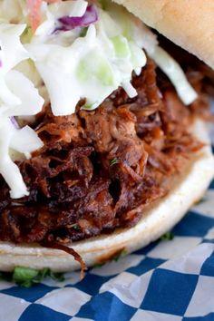 10 heerlijke vegetarische gerechtjes voor op de barbecue Jackfruit Pulled Pork, Vegan Barbecue, Pulled Pork Recipes, Barbeque Pulled Pork, Bbq, Whole Foods, Whole Food Diet, Vegetarian Recipes, Vegan