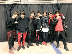 #BTS 3rd アルバム 「FACE YOURSELF」 握手会で幕張メッセイベントホールまでお越し頂いたARMYのみなさん!皆さんの笑顔でむしろ僕たちが元気をもらっちゃいましたARMYと一緒ならいつまでも幸せ❤️ #防弾少年団 #FACE_YOURSELF