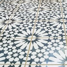 "Moroccan Mosaic Agdal 8"" x 8"" Cement Tile in Black and White"