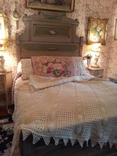 CORRABELLE ROSE: Antique Bedding