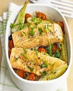 Aniseedy fennel and juicy cherry tomatoes cut through the richness of baked salmon fillets Oven Baked Salmon, Baked Salmon Recipes, Roasted Salmon, Fish Recipes, Seafood Recipes, Recipies, Baked Ham, Recipes Dinner, Dinner Ideas