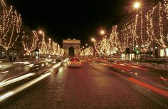 Christmas in Paris Picture Tour: Champs Elysees in Lights
