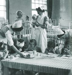 Afternoon tea on a Great Ormond Street Hospital ward in 1939 #GOSHistory