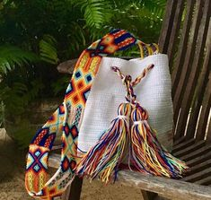 Otomi Mexican Craft Design by Otomiartesanal on Etsy Mexican Crafts, Hobo Style, Maya, Embroidery Techniques, Design Crafts, Hand Knitting, No Response, Etsy, Purses