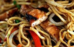 Chicken Lo Mein!  How to make amazing take out at home!