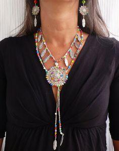 Beige étnica MANDALA crochet plata plumas boho por PanoParaTanto