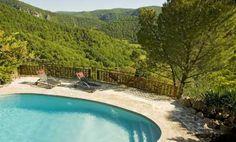 Maison avec piscine privative et vue panoramique exceptionnelle sur www.meublesdetourisme.com Prestations très haute gamme pour cette location 5 étoiles en Aveyron