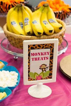 This Safari First Birthday Party is packed with lots of ideas including tutorials for a Jungle Birthday Cake and african safari jungle Party Favours. Monkey Birthday Parties, Jungle Theme Birthday, Jungle Theme Parties, Animal Birthday, Birthday Party Themes, Jungle Theme Food, Jungle Party Snacks, 3rd Birthday, Safari Food