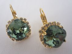 Amazing gold plated earrings placed with Swarovski Erinite Round Brass rhinestone. These stunning earrings will be the perfect completion for a glow and unforgettable look! Gold Plated Earrings, Gold Earrings, Fish Hook, Earrings Handmade, Cyber, Black Friday, Swarovski, My Etsy Shop, Glow
