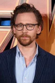 LARGE HQ Tom Hiddleston attends the UK Fan Event for 'Avengers Infinity War' at Television Studios White City, London 8.4.2018 Via https://www.weibo.com/1846858632/GbdeM2QDs