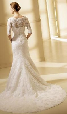 Romantic wedding dress (back)
