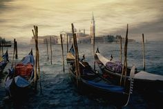 Google Image Result for http://travel.wallpapers.tc/pictures/Italy/Gondolas%2520Venice.jpg