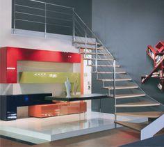 #Escalier - Quart tournant, limon latéral, marches en bois, structure en acier. Découvrez les réalisations d'escaliers de L'Échelle Européenne sur www.escaliers-echelle-europeenne.com