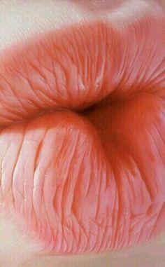 Lips, labios. Kiss, beijo.