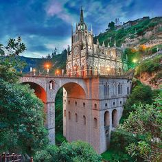 El Santuario de Nuestra Señora de las Lajas #Colombia !