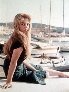 ブリジット・バルドー(Brigitte Bardot)『素直な悪女(et Dieu...Crea la femme)』に学ぶビーチスタイル