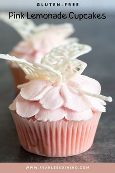 These summery gluten free pink lemonade cupcakes are topped with pink frosting and white chocolate dragonflies. They are perfect for a birthday party or bake sale. fearlessdining Gluten Free Party Food, Gluten Free Appetizers, Gluten Free Cupcakes, Gluten Free Sweets, Gluten Free Cooking, Dragonfly Cake, Butterfly Cakes, Cupcake Recipes, Cupcake Cakes