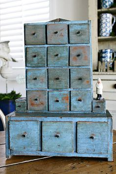 True Blue Americana - shabby blue lower cabinet with top cabinet made of 12 drawers Primitive Furniture, Antique Furniture, Painted Furniture, Diy Furniture, Country Primitive, Country Decor, Country Blue, My Favorite Color, Decoration
