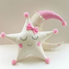 Amazing Home Sewing Crafts Ideas. Incredible Home Sewing Crafts Ideas. Sewing Toys, Baby Sewing, Sewing Crafts, Sewing Projects, Cute Pillows, Fluffy Pillows, Baby Pillows, Felt Crafts, Diy And Crafts