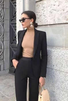 30 pretty fashion outfits for women - fashion trend 2019 - harmon .- 30 hübsche Mode-Outfits für Frauen – Modetrend 2019 – Harmony 30 pretty fashion outfits for women – fashion trend 2019 – # for # pretty trend - Classy Yet Trendy, Classy Casual, Work Casual, Classy Style, Casual Office Wear, Stylish Office, Casual Elegance, Smart Casual, Ootd Classy