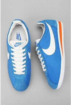 Nike's became a sensation when I was in the 4th grade - 1979. I had a red pair just like these.