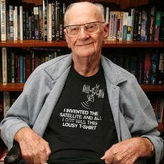 Sir Arthur Charles Clarke (Minehead, 1917. december 16. – Srí Lanka, 2008. március 19.) angol író, mérnök.