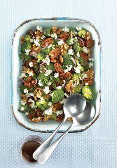 Recettes santé   Nutrisimple   Salade de brocoli et de raisins rouges au fromage de chèvre