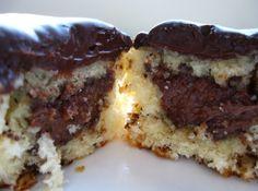 Cupcake Formigueiro - Veja mais em: http://www.cybercook.com.br/receita-de-cupcake-formigueiro.html?codigo=16923