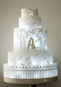 glowing wedding cake...wow!!