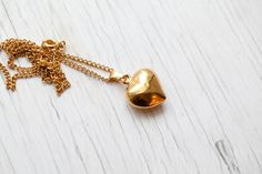Gold colored Heart Necklace . Vintage