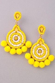 Jewelry Earrings Tulum Seed Bead Earring in Canary - OMG these woven tassel earrings are AMAZING - Pair them with any and everything - Simply fantastic , so unique and so simple. Bead Embroidery Jewelry, Beaded Jewelry Patterns, Fabric Jewelry, Beaded Embroidery, Beading Patterns, Pink Earrings, Seed Bead Earrings, Beaded Earrings, Crochet Earrings