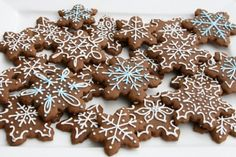 Last week I shared some cute Christmas Tree Cookies I made with gingerbread dough. Gingerbread cookies are one of my favorites, especia. Snowflake Cookies, Christmas Tree Cookies, Cut Out Cookies, Christmas Treats, Christmas Cookies, Making Cookies, Thanksgiving Cookies, Christmas Eve, Gingerbread Dough