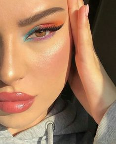 The perfect wearable rainbow makeup look 🌈 Dewy Makeup, Makeup Eye Looks, Eye Makeup Art, Cute Makeup, Pretty Makeup, Eyeshadow Makeup, Neon Eyeshadow, Gorgeous Makeup, Natural Makeup