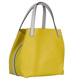 Conoce el bolso de Carolina Herrera Mini Matryoshka Edición limitada