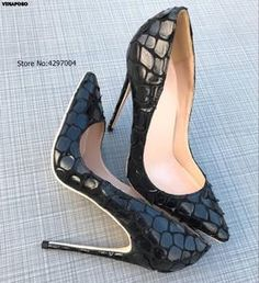 ST fashion shop Shoes Heels Pumps, High Heels Stilettos, Stiletto Heels, Only Shoes, Pointed Toe Pumps, Christian Louboutin, Lady, Dress Wedding, Snake