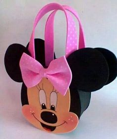 Bolso de mimie Kids Crafts, Foam Crafts, Craft Stick Crafts, Easy Diy Candy, Mickey E Minnie Mouse, Baby Shower Souvenirs, Circle Crafts, Barbie Party, Minnie Birthday