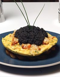 The Most Expensive Food in The World : dollar omelet ( 10 eggs , 200 grams of sevruga caviar and 1 whole lobster) Most Expensive Food, Nyc Restaurants, Breakfast Items, Power Breakfast, Gourmet Breakfast, Snacks, Food Items, Thing 1, Food And Drink