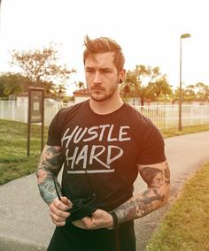 Hello Gorgeous, Beautiful Men, Beautiful People, Beard Tattoo, Attractive Men, Bearded Men, Male Models, Gym Workouts, Sexy Men