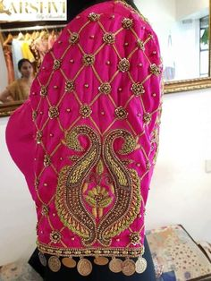 40 check blouse design to inspire you this season - Wedandbeyond Wedding Saree Blouse Designs, New Blouse Designs, Pattu Saree Blouse Designs, Wedding Blouses, Sari Blouse, Hand Work Blouse Design, Stylish Blouse Design, Maggam Work Designs, Designer Blouse Patterns