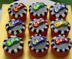 Matchbox cars birthday party cake Ideas for 2019 Cupcake Party, Birthday Cupcakes, Party Cakes, Cupcake Cakes, Car Cupcakes, Cupcake Ideas, Hot Wheels Party, Festa Hot Wheels, Race Car Birthday