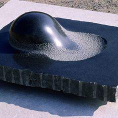 Organic Sculpture, Sculpture Art, Stone Sculptures, Isamu Noguchi, Stone Sink, Stone Art, Water Features, Ceramic Art, Fractals